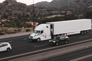 Phoenix, AZ – Truck Accident Leads to One Fatality on Interstate 10