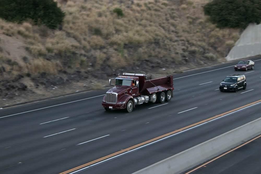 Scottsdale, AZ - Multi-Vehicle Wreck Blocks L-101 at Hayden Rd
