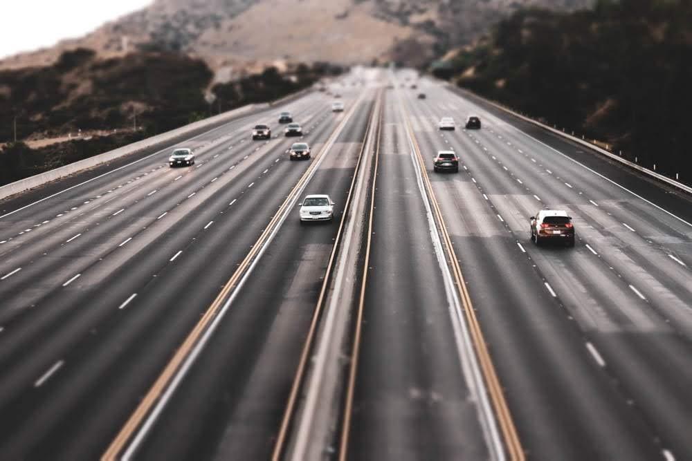 Phoenix, AZ - Multi-Vehicle Crash Blocks Multiple Lanes of I-10 at 12th St