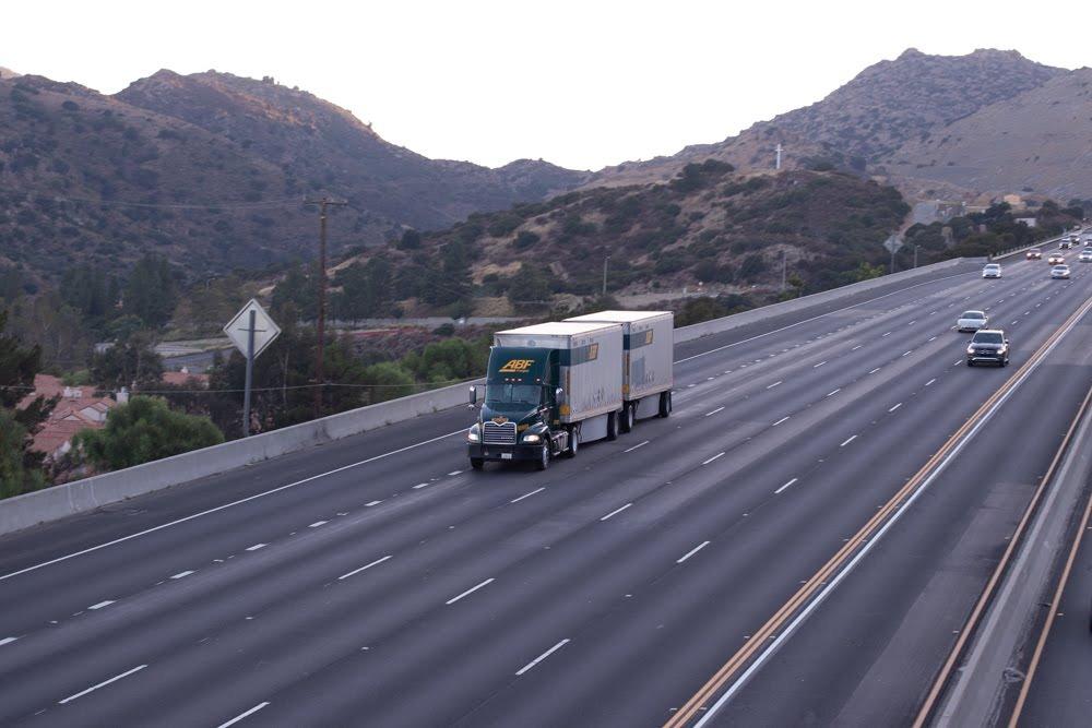 Phoenix, AZ - Multi-Vehicle Crash Causes Injuries on I-17 at Black Canyon City