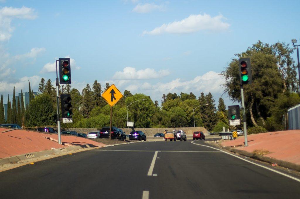 Tucson, AZ - 2 Seriously Injured in Crash at 22nd St & Alvernon Way