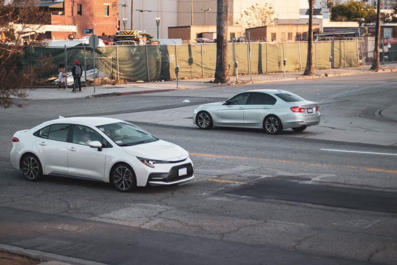 Phoenix, AZ - 2-Car Crash Results in Injuries on AZ-51 at McDowell Rd
