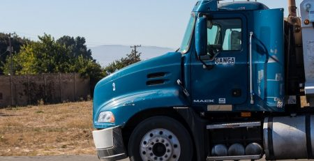 Safety Tips for Driving Trucks in Arizona